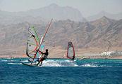 серферы в лагуне / Фото из Египта