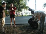 белые туристы принимают работу / Фото из Доминиканской Республики