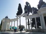 """Брехаловка"", место встреч на набережной Сухуми / Абхазия"