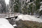 Пересекая горную речку / Фото из Италии