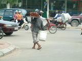 Торговец вкусностями / Фото из Камбоджи