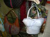 Женские сумочки бывают разные... / Фото из Египта