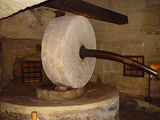 В музее ремесла. Прес для отжима олив / Фото из Италии