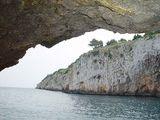 У входа в грот Зинзулуза / Фото из Италии
