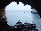 Вход в грот Зинзулуза. Вид на море / Фото из Италии