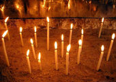 Свечи в христианском храме на вершине Баюкады / Фото из Турции