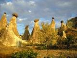 Каппадокийские грибы в лучах заходящего солнца / Фото из Турции