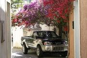 Экологически чистый паркинг / Фото из Греции