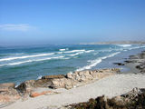 На пляже плещутся дети / Фото из ЮАР