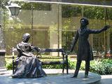 Памятник Пушкину и Гончаровой в Подгорице / Фото из Черногории