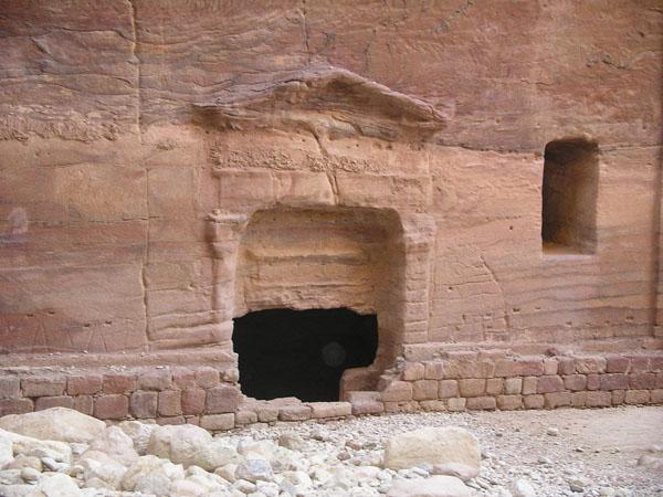 Гробница неизвестного знатного набатейца / Фото из Иоpдании