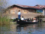 Инты на озере Инле / Мьянма