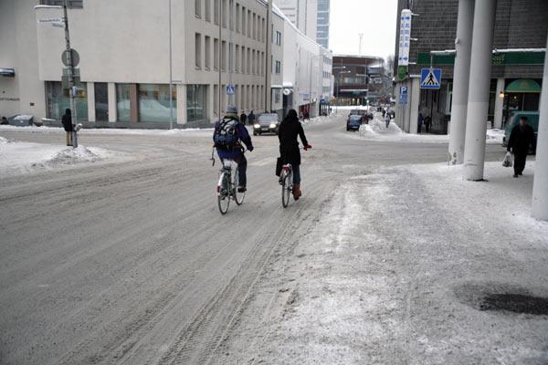 На велосипедах и зимой и летом / Фото из Финляндии
