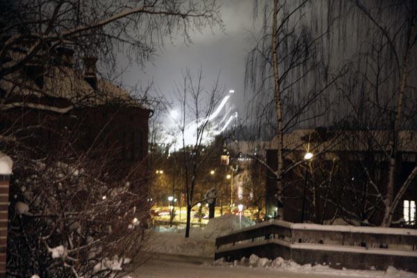 Светятся лыжные трамплины / Фото из Финляндии