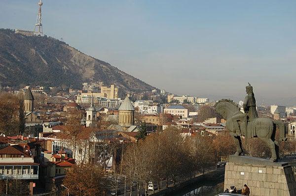 Статуя основателя города / Фото из Грузии
