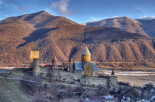 Крепость Ананури. 16 век / Фото из Грузии