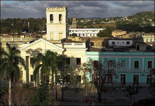 Вид на Санта-Клару из номера отеля / Фото с Кубы