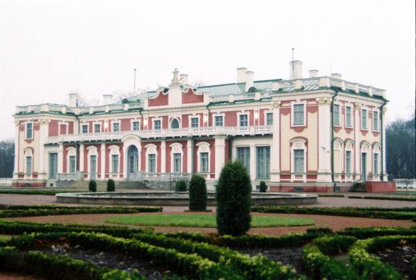 Дворец Кадриорг - сердце парка / Фото из Эстонии