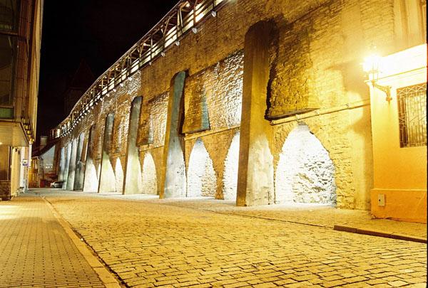 Городская оборонительная стена / Фото из Эстонии