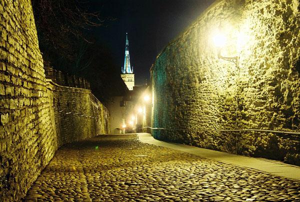 Улица Короткая нога / Фото из Эстонии