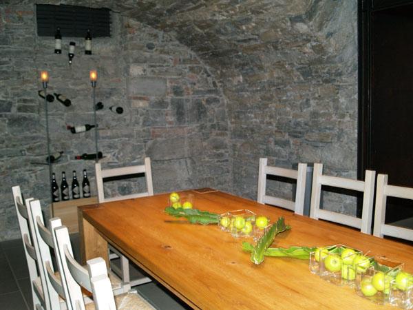 Комната для конференций - в винотеке / Фото из Швейцарии