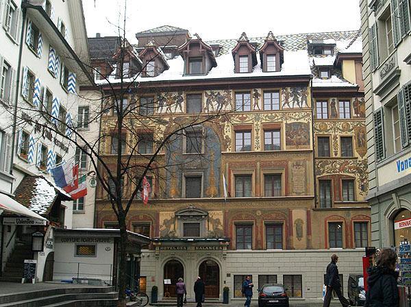 Расписной домик в центре Люцерна / Фото из Швейцарии