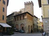 дом XIV - XV вв. / Италия
