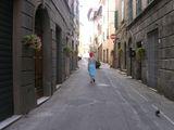 улицы Поджибонси / Италия