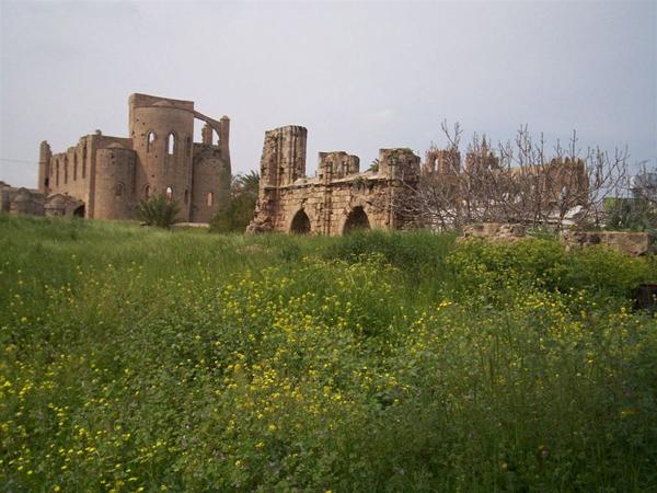 Крепостные руины / Фото с Кипра