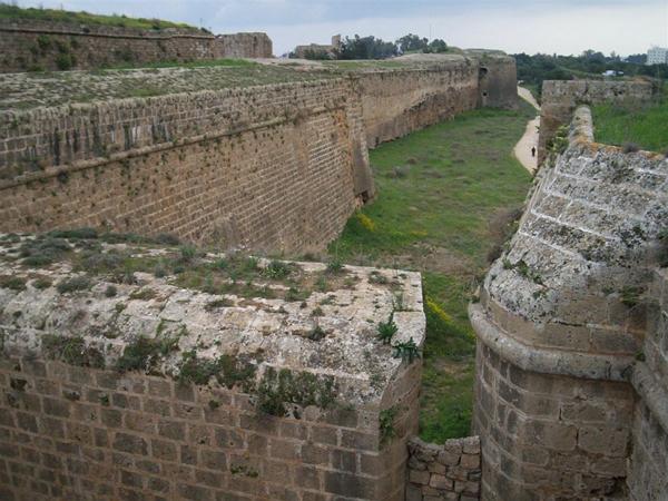 Фортификационные сооружения / Фото с Кипра