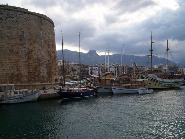 Кирения не маленький курортный городишко / Фото с Кипра
