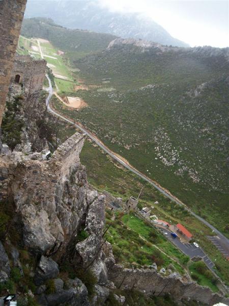... а на автомобиле - можно. / Фото с Кипра
