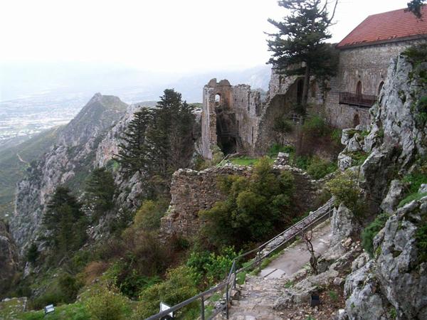 Замок Св. Иллариона / Фото с Кипра