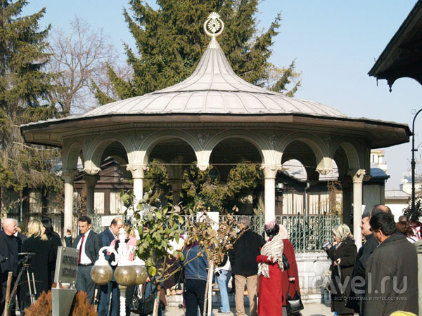 Внутренний дворик мечети Мевляны / Фото из Турции