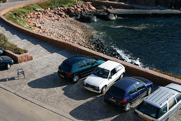 Забитая парковка / Фото из Франции