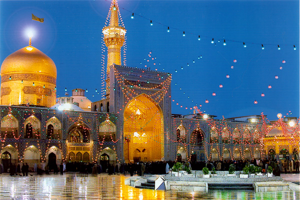 Открытка: Astan-e Qods-e Razavi в подсветке / Фото из Иpана