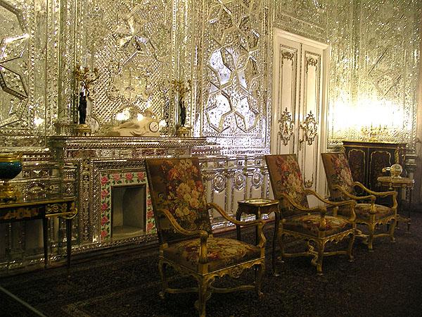 Одна из зеркальных комнат в Green Palace / Фото из Ирана
