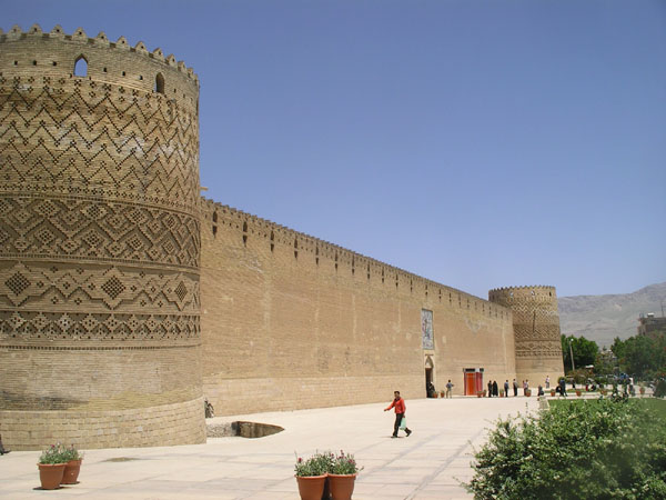 Крепостная стена Arg-e Karim Khani / Фото из Ирана