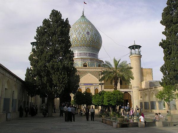 Внутренний дворик мечети Imamzadeh-ye Ali Ebn-e Hamze / Фото из Ирана