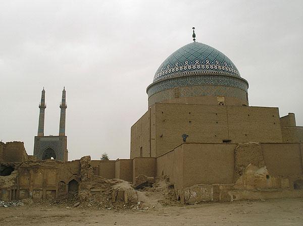 Bogheh-ye Seyed Roknaddin и минареты Jameh / Фото из Ирана