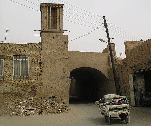 На зороастрийских улицах Йезда / Фото из Ирана