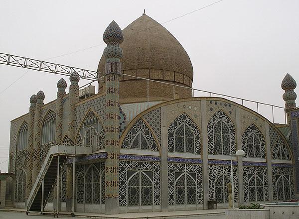 Во внутреннем дворе мечети Hazireh / Фото из Ирана