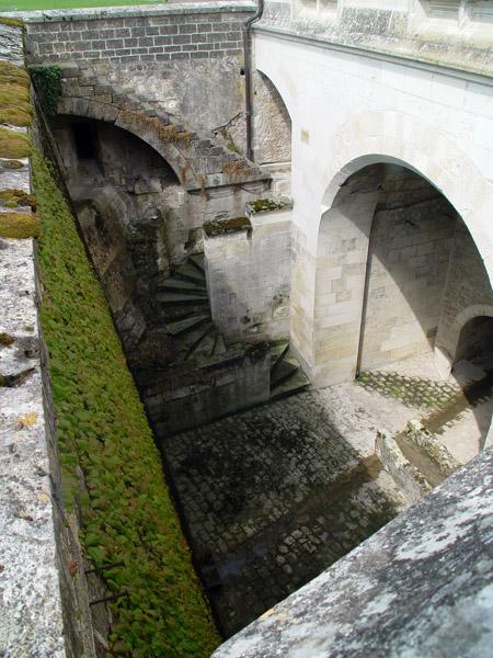 Замок неоднократно частично перестраивался / Фото из Франции