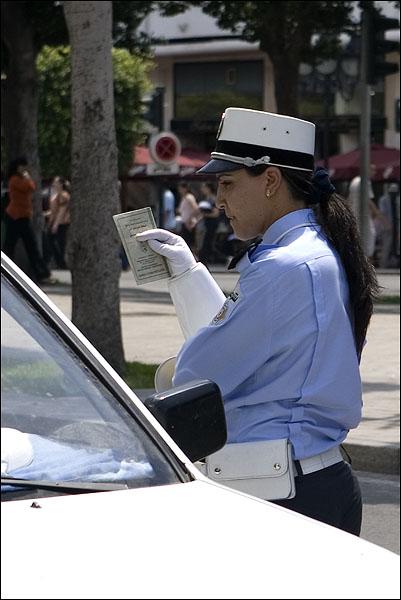 Полицейские-девушки / Фото из Туниса