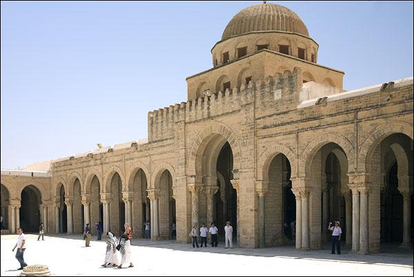 Великая мечеть Сиди-Окба / Фото из Туниса