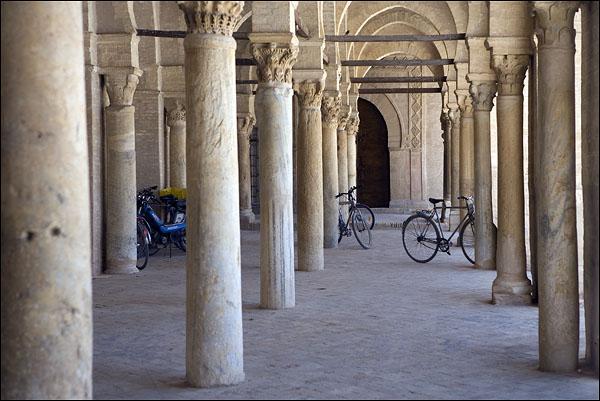 Колонны для Сиди-Окба / Фото из Туниса