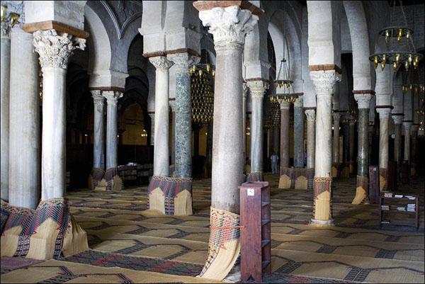В молитвенной комнате / Фото из Туниса