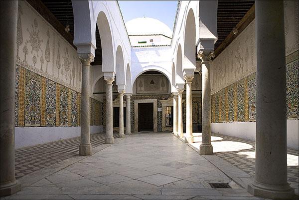 Сплошные коридоры... / Фото из Туниса