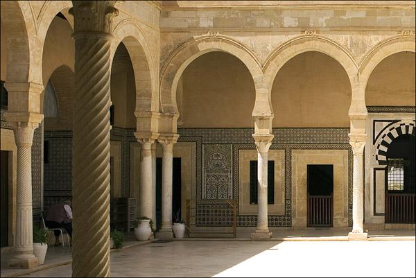 ... и дворики / Фото из Туниса