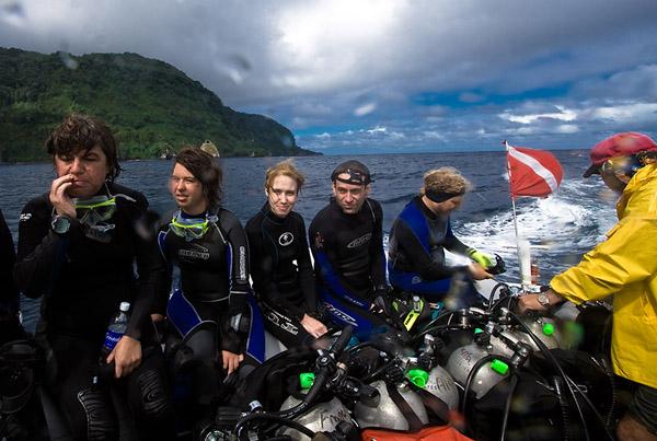 Банда возвращается на Okeanos / Фото из Коста-Рики